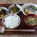 サバの梅味噌煮定食