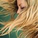 髪の毛がはねてしまうのはどうして?髪の毛がはねてしまう原因を理解して対処しよう