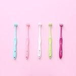 歯科医の現場から誕生!デッキブラシ型ヘッドのTスタイルで歯ブラシ革命!