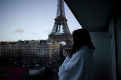 Paris et son ciel bleu by Gladier Aurelius   We Heart It (6980)
