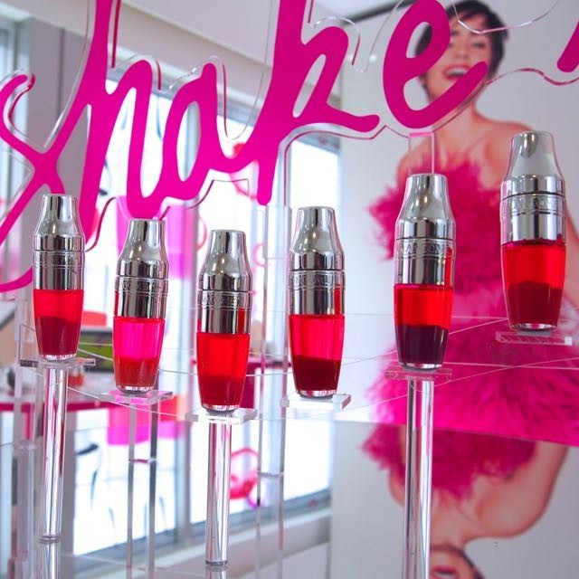 え!シェイクしてつけるの?!ランコム「ジューシー シェイカー」4/22新発売◆二層構造、混ざり合う楽しみ〜色づきじゅわり!柚子やメロン、マンゴーの香りが特に好き。シャカシャカポンポン!が合い言葉 | MAQUIA ONLINE(マキアオンライン) (7129)
