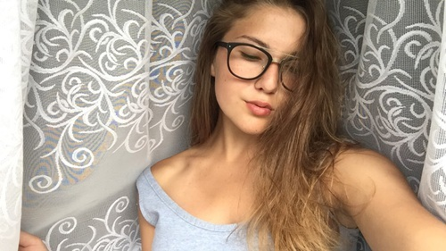 blond hair, brown hair, and girls by gutty | We Heart It (7383)