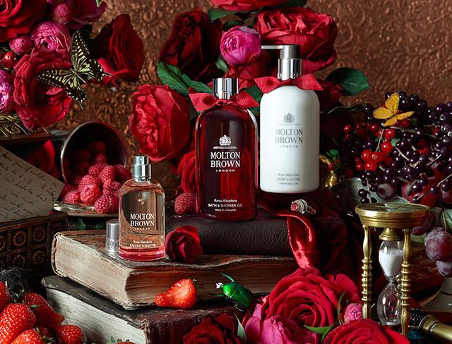 英国王室ご用達・モルトンブラウン初のローズ香るコレクション - ラグジュアリー感溢れるパッケージ - 写真1 | ニュース - ファッションプレス (14498)