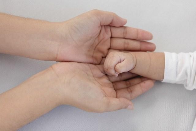 ノロウイルスに家族が感染!家庭での対策や予防法 赤ちゃんがいるときは? (28091)