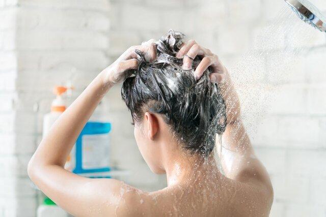 なんだか頭皮が臭い?気になるニオイの原因とヘッドスパでおすすめの美容室をご紹介