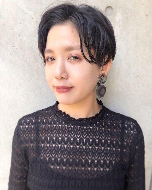くせ毛を生かしたショートスタイル(正面)