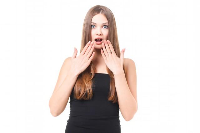 アッと驚き目を丸くする女性|フリー写真素材・無料ダウンロード-ぱくたそ (586)