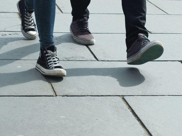 Free photo: Walking, Feet, Shoes, Step - Free Image on Pixabay - 454543 (601)