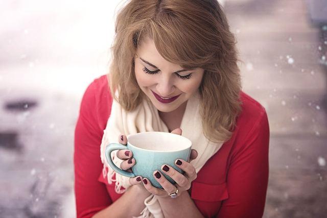 Free photo: Coffee, Cup, Woman, Girl, Snow - Free Image on Pixabay - 1245891 (1781)