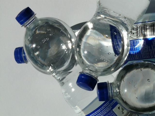 無料の写真: ボトル, プラスチック製のボトル, ミネラルウォーター, 水, 透明 - Pixabayの無料画像 - 60466 (2909)