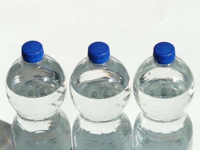 無料の写真: ボトル, プラスチック製のボトル, ミネラルウォーター, 水, 透明 - Pixabayの無料画像 - 60479 (3018)