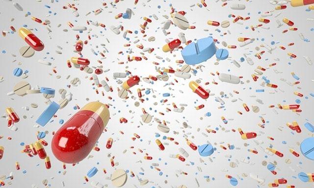 Free illustration: Pill, Capsule, Flying, Many, Horde - Free Image on Pixabay - 1884777 (2178)