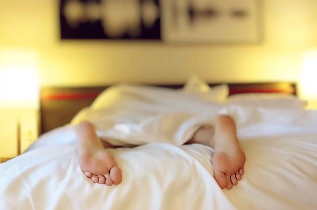 Free photo: Sleeping, Tired, Bed, Feet - Free Image on Pixabay - 1159279 (7340)