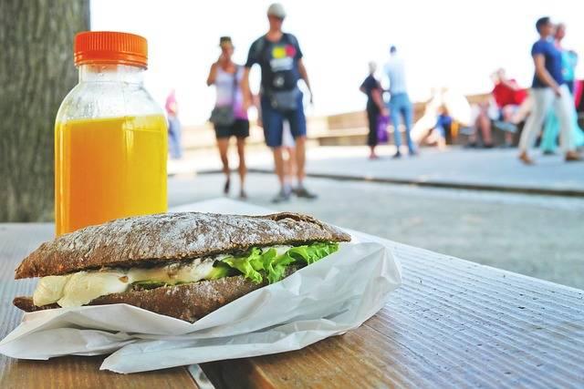 Free photo: Sandwich, Bank, Orange Juice, Lunch - Free Image on Pixabay - 833607 (7389)
