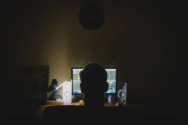 Free photo: Work, Desk, Computer, Night, Hacker - Free Image on Pixabay - 933061 (7409)