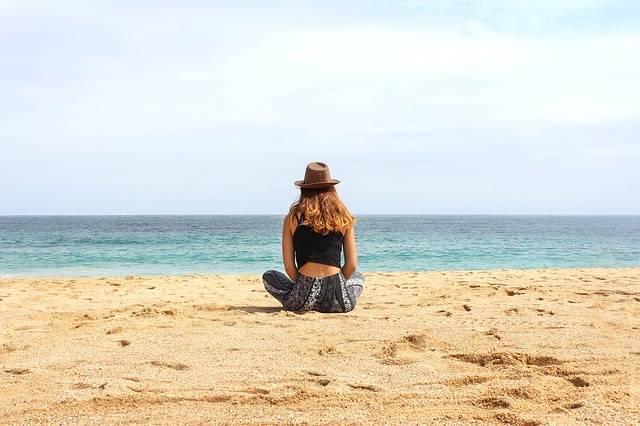 Free photo: Beach, Women, Hat, Yoga, Back - Free Image on Pixabay - 1599762 (8427)