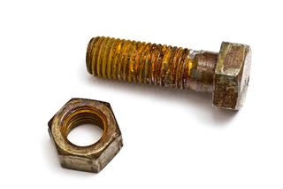錆(金属腐食)が引き起こす故障と発電量の低下