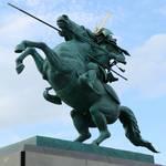 郷土愛のシンボル! 桜の季節にみちのくの名城&英雄像めぐり「ニッポン銅像探訪記 第5回:東北の名城」