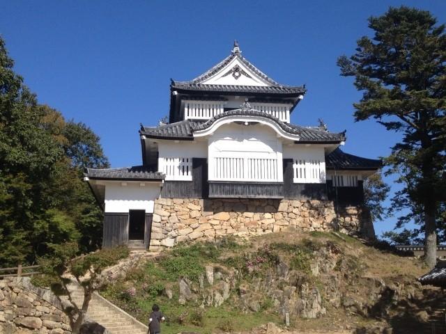 「天候と季節によっては雲海も発生する備中松山城」