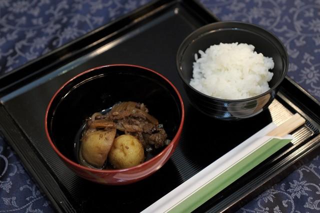 「原宿 東郷記念館で提供された東郷オリジナル肉じゃが」