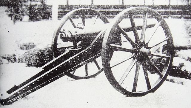 戊辰戦争で活躍したとされる佐賀藩製のアームストロング砲