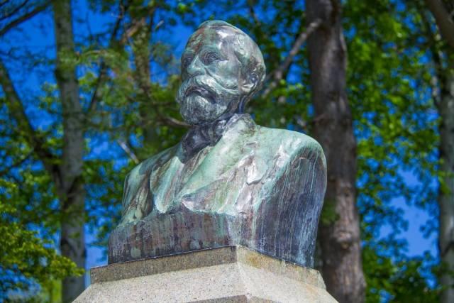 北大・中央ローン横のクラーク博士胸像