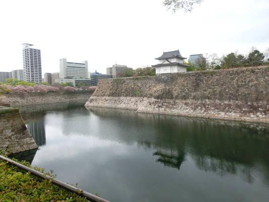難攻不落の大坂城を支えた堀と石垣