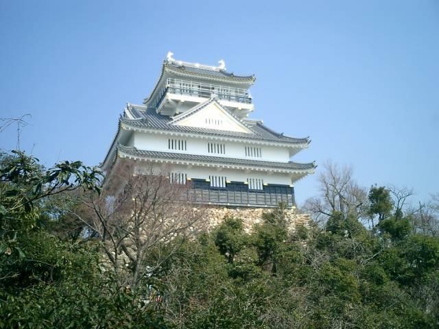 「現在の天守は昭和31年に再建されたもの」