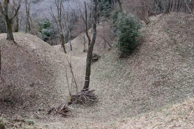 滝山城の巨大な横堀
