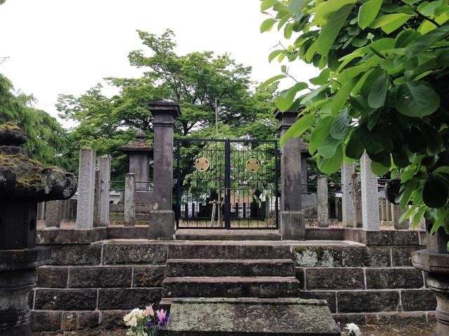 明治戊辰戦役殉難者墓