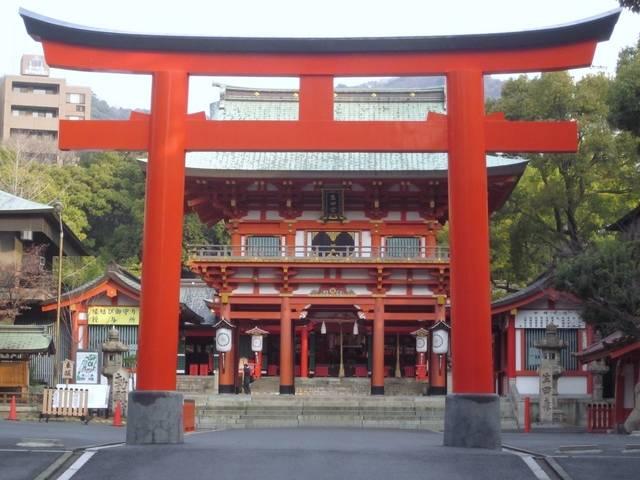 「縁結びの神様」として女子に人気!女神さまを祀る「生田神社」
