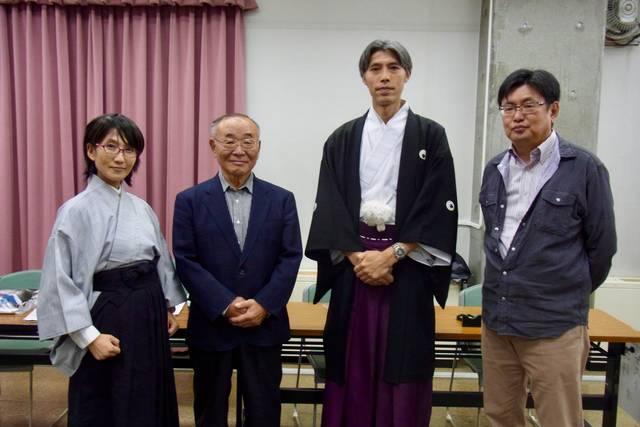 左から、司会の磯部深雪さん(歴☆女子会主宰)、高杉春正...