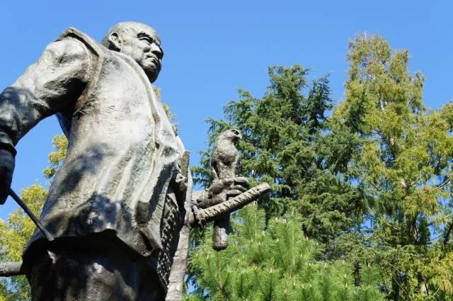駿府城公園にある徳川家康像