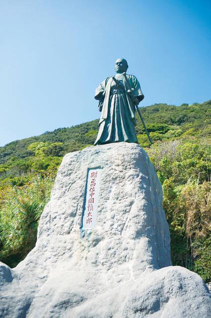 こちらは室戸岬の最南端にある中岡慎太郎像