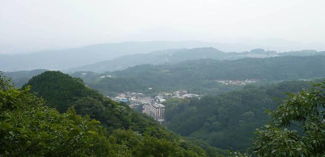 久秀も眺めたかもしれない、山頂からの眺め