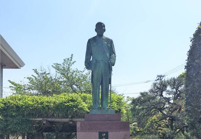 宇和島市立伊達博物館にある伊達宗城像