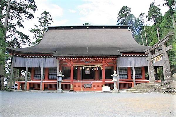 重要文化財に指定されている英彦山神宮の奉幣殿