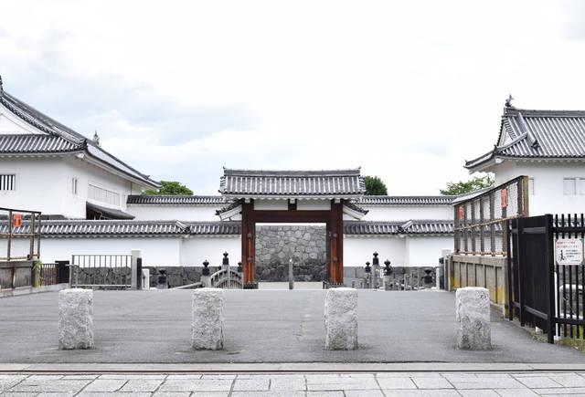 山形城・二ノ丸東大手門は1991年に復原されたもの。