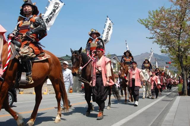 武田二十四将騎馬行列