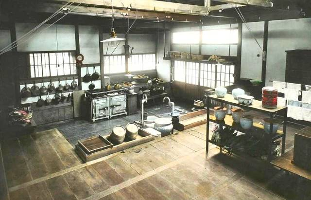 当時の大隈邸の台所