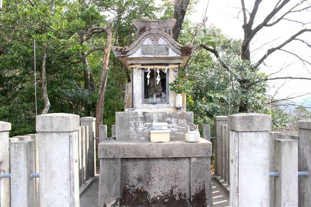白山神社奥の院