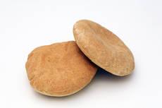 当時の兵糧パンを再現した「パン祖のパン」
