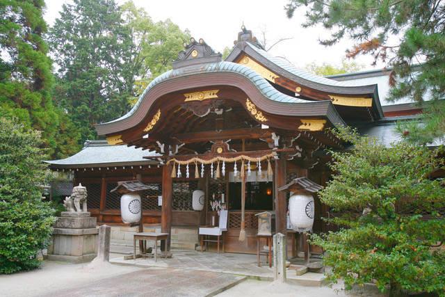 御霊神社:上御霊神社というのは、下御霊神社に対する通称です