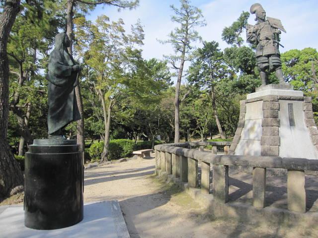 清洲城跡の信長と濃姫の銅像