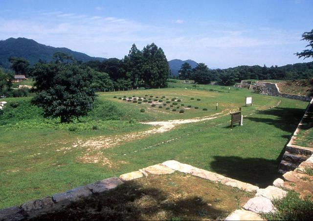 月山富田城の山中御殿。