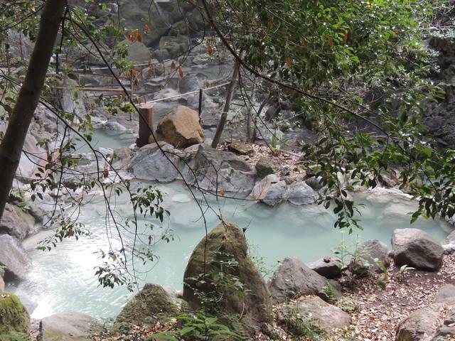 かつての栄之尾温泉は霧島いわさきホテルの露店風呂「緑渓...