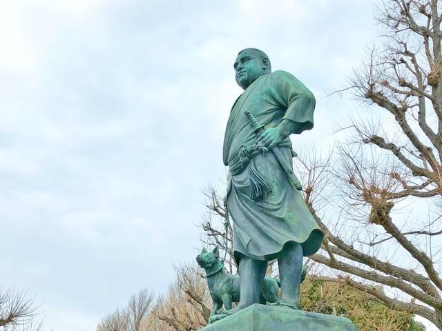 有名な上野の西郷像
