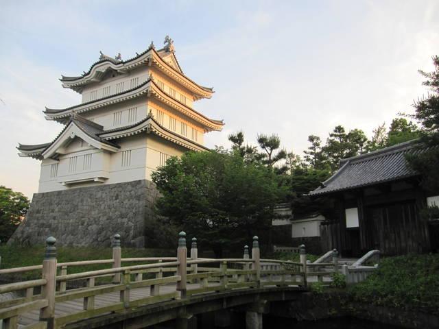 「忍城址・模擬御三階櫓」(埼玉県行田市)