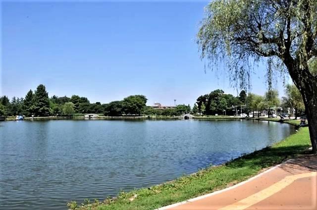 忍城の外堀を整備して完成した都市公園「水城公園」