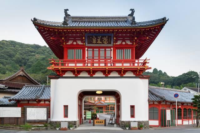 国重要文化財の武雄温泉楼門